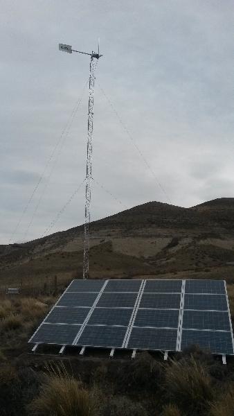 16 Módulos 100wts c/u y generador eolico 1300wts