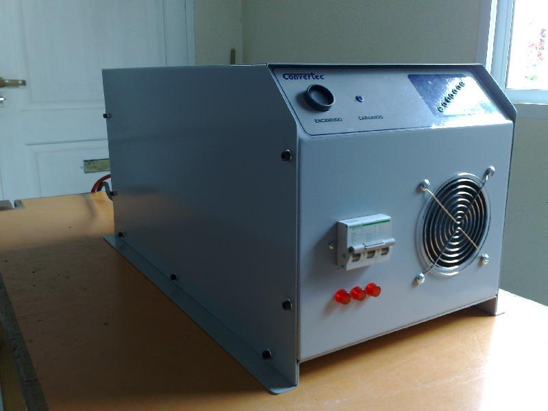 Cargador de baterías trifasico